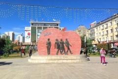 монумент Битлз Монголия 2
