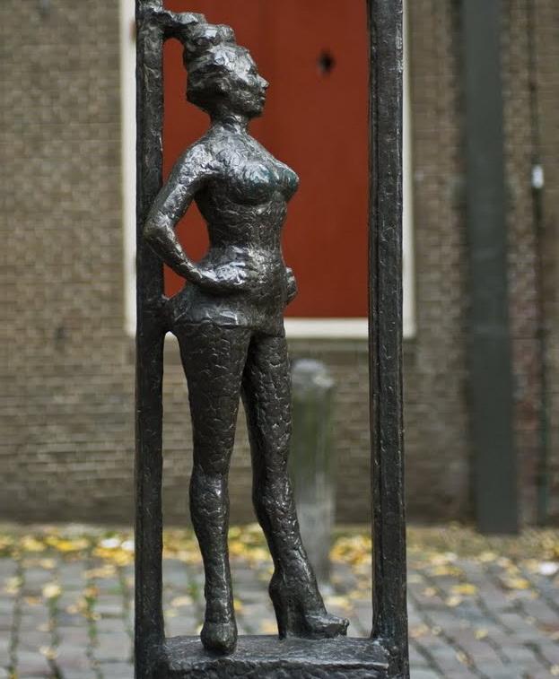 безымянной проститутке памятник