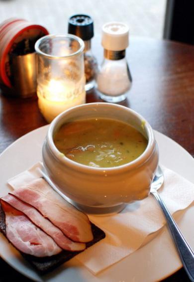 Гороховый суп по-голландски.
