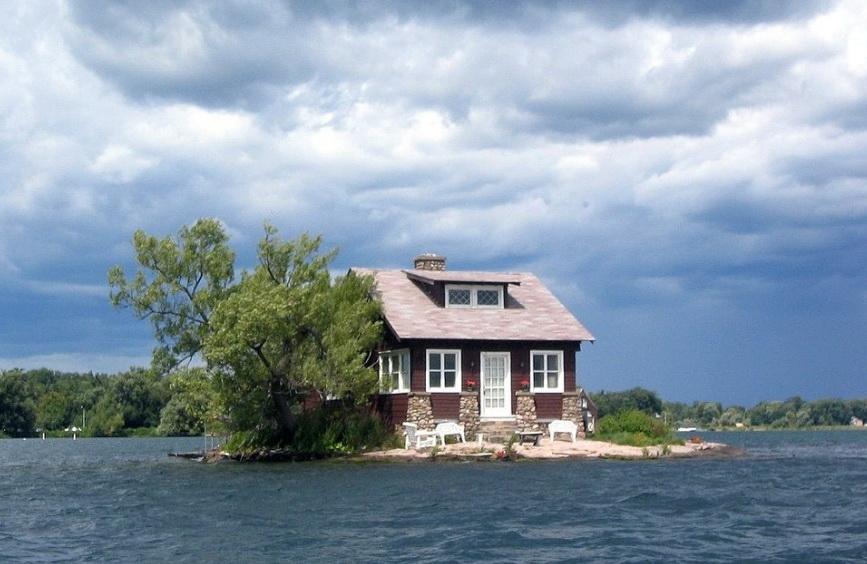 Дом на острове.