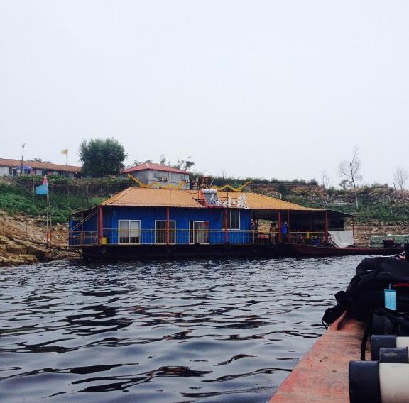 Подводная часть Китайской стены.