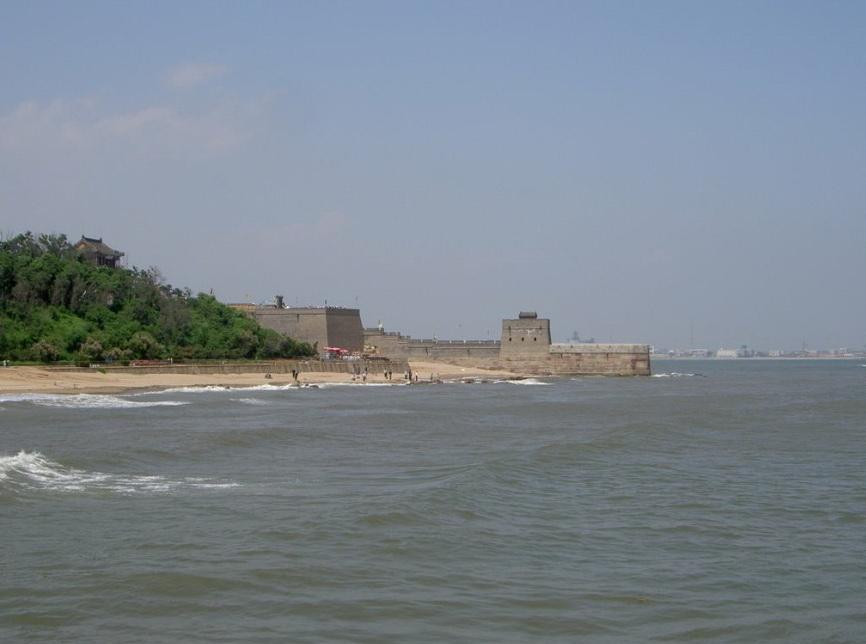 Начало великой Китайской стены.