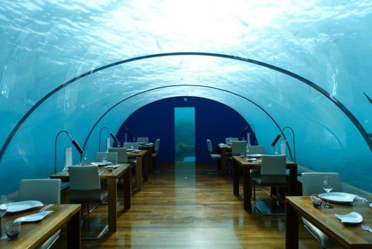 Подводный ресторан.