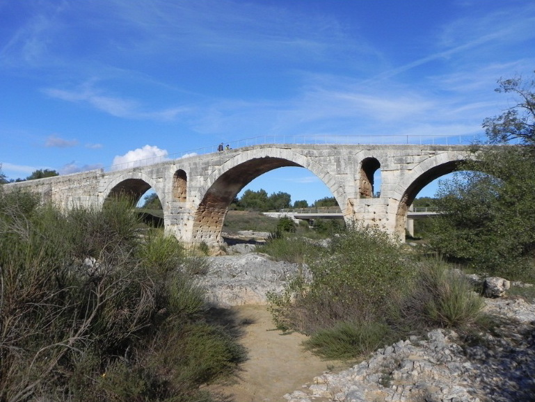 Мост возрастом 2000 лет.