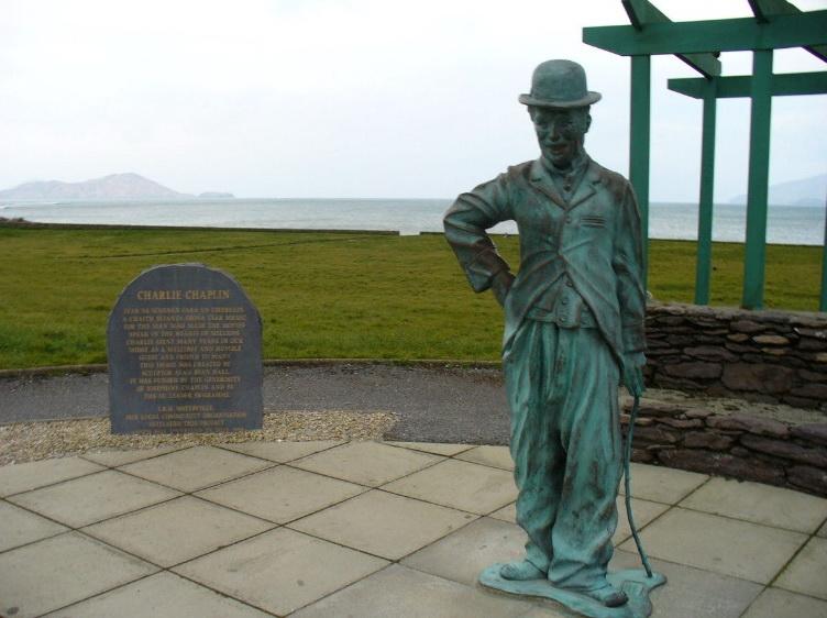 Статуя Чарли Чаплина.