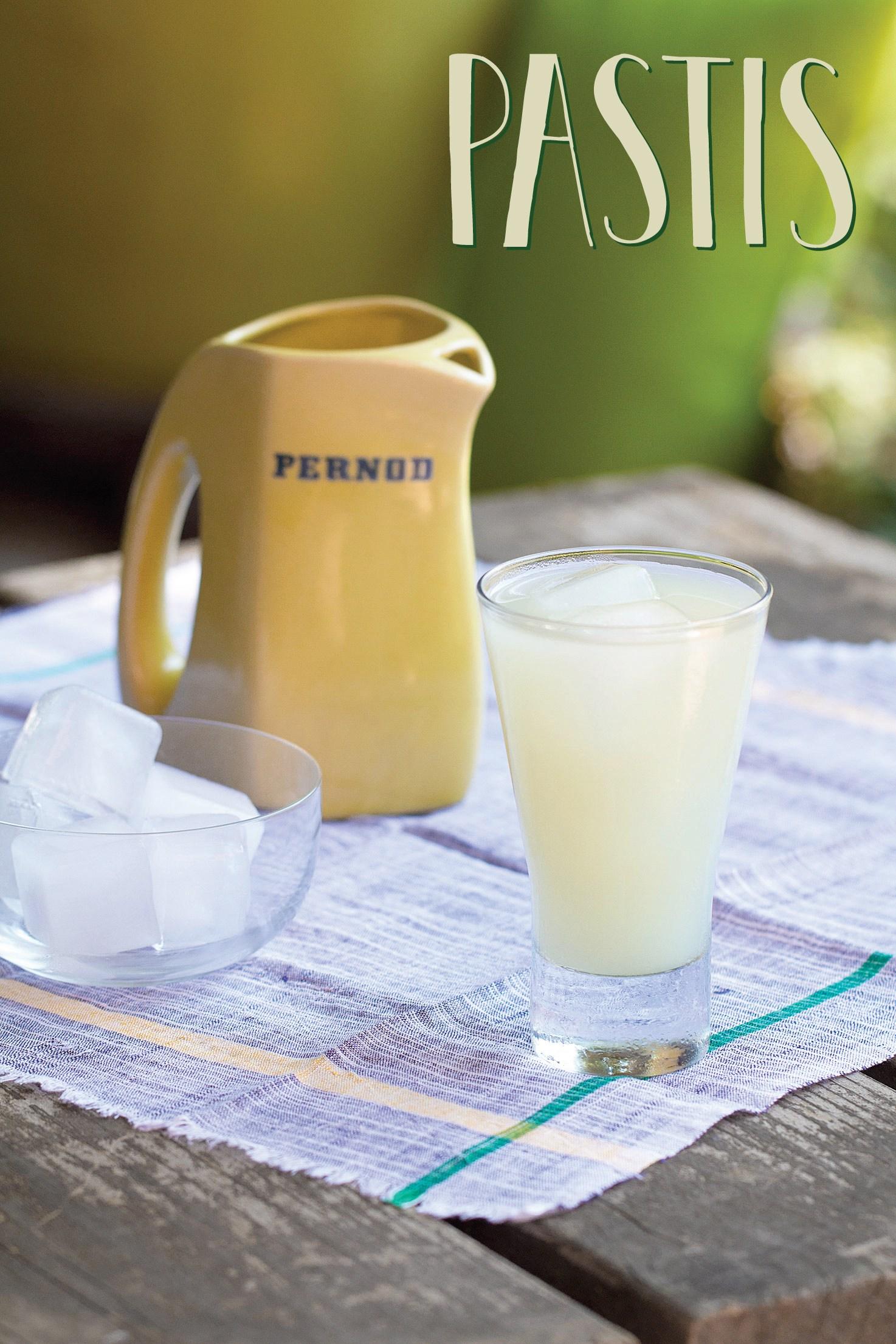 Пастис. Второй по популярности алкогольный напиток Франции.