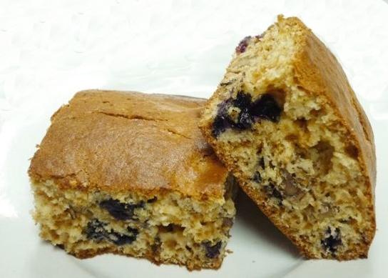 Средиземноморская диета. Бисквит с орехами и черникой. По-домашнему.