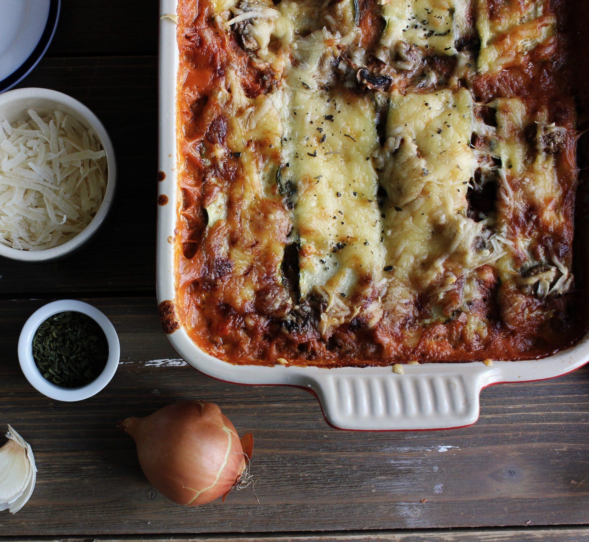 Средиземноморская диета. Лазанья с помидорами и сыром.