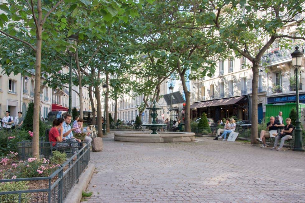 Париж. Площадь Эстрапада.