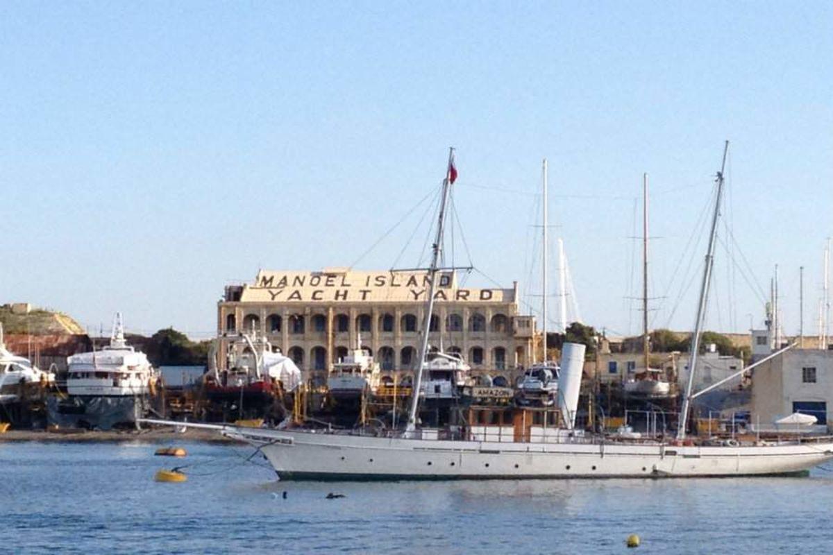 Туристический центр на острове Маноэль. Мальта.