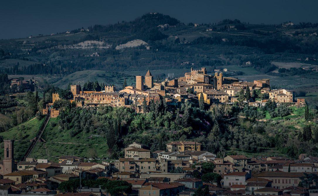 Пролетая над Тосканой. Чертальдо.