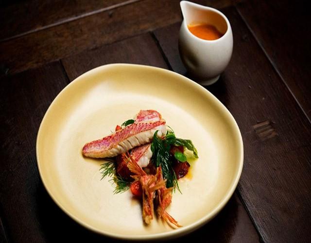 Средиземноморская диета. Красная кефаль на гриле с овощами.